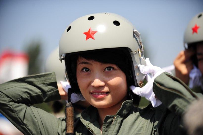 VIDEO | Noor hiinlannast hävituslendur hukkus õppusel