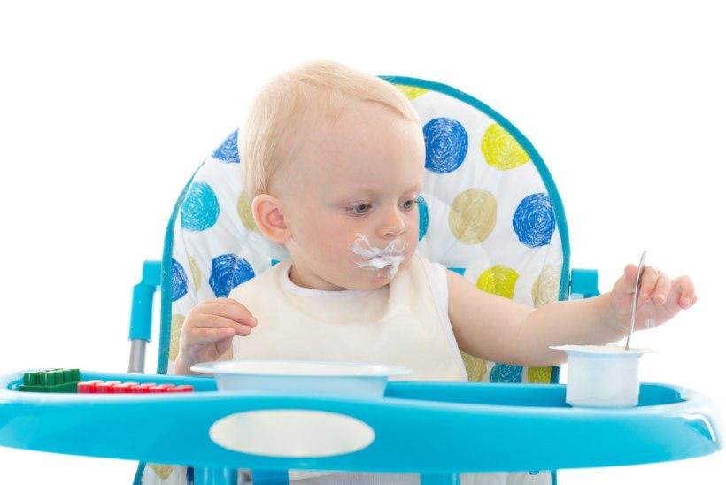 Lusikaga söömine – väikelapse arenguverstapost