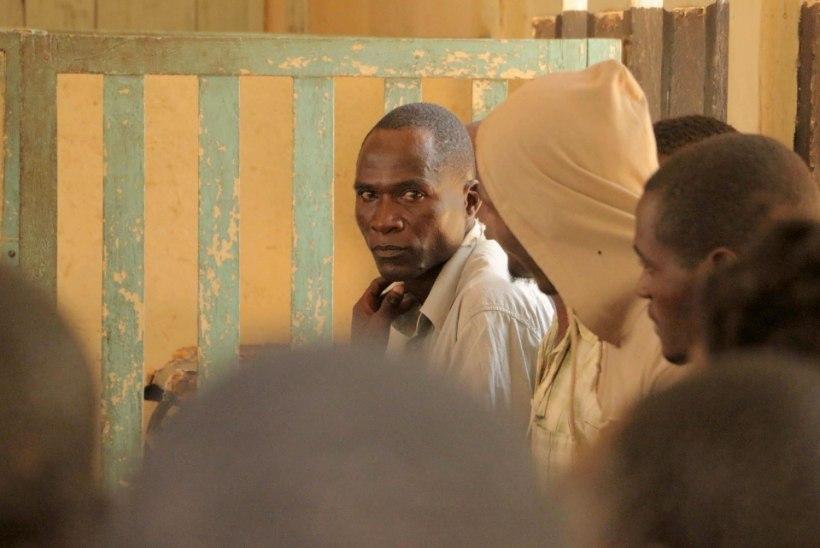 """SAATANLIK RITUAAL: HIV-positiivne mees """"puhastas"""" seksiga 104 lesknaist ja tüdrukut"""