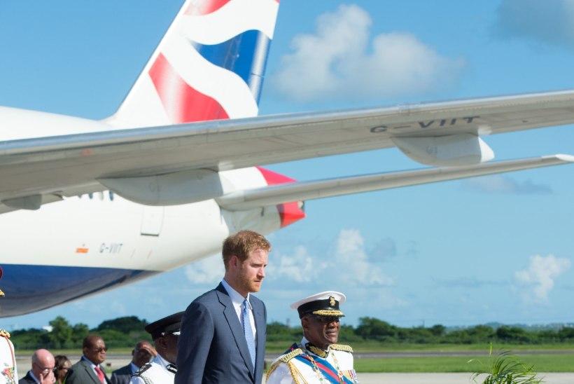 """Prints Harry on """"formaalsel, kuid lõbusal"""" Kariibi ringreisil"""