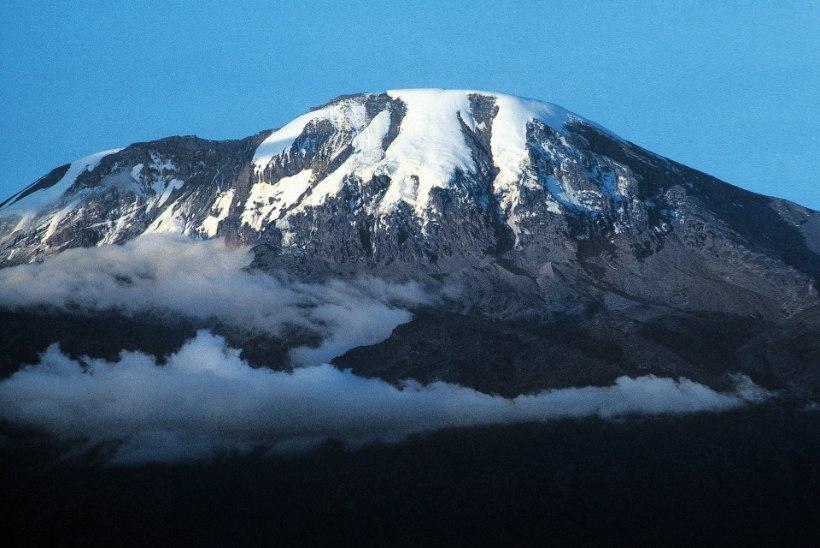 INSPIREERIV VÄGILASTEGU: pime mees vallutas Kilimanjaro tipu