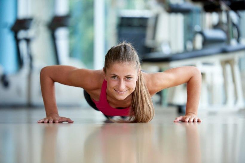 Trenni ei jõua? Tee kodus tõhus 30-minutiline hommikutreening!