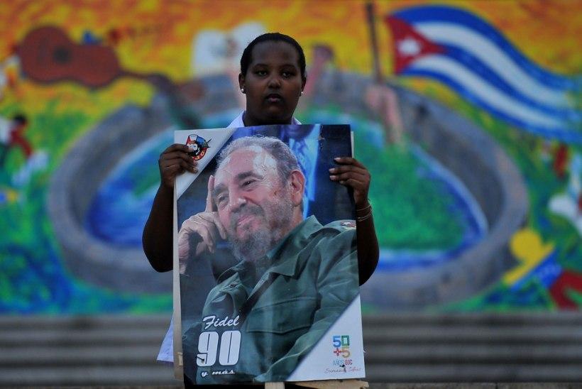 KUUBALASED: me ei suuda uskuda, et Fidel on surnud!