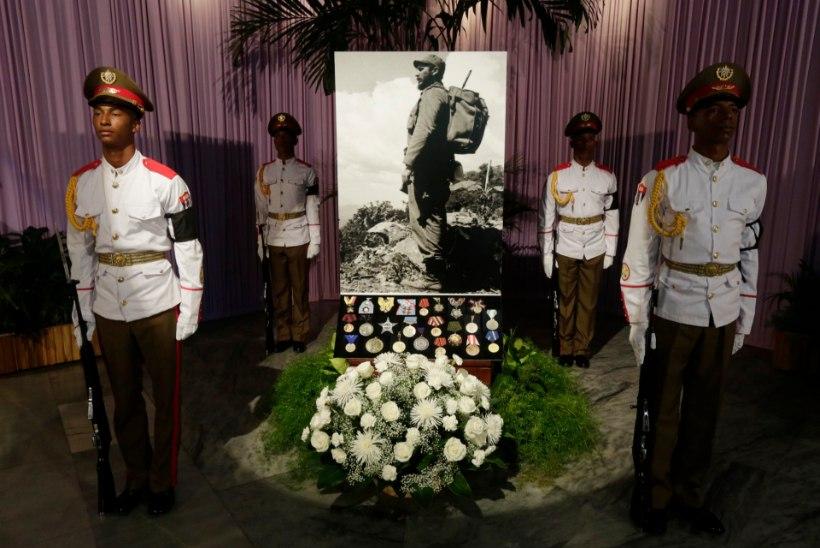 MÄLUMÄNG |  Hasta siempre, Fidel!