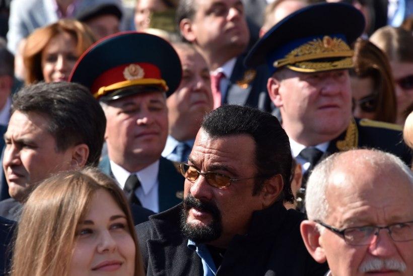 Vladimir Putin andis Steven Seagalile Venemaa kodakondsuse