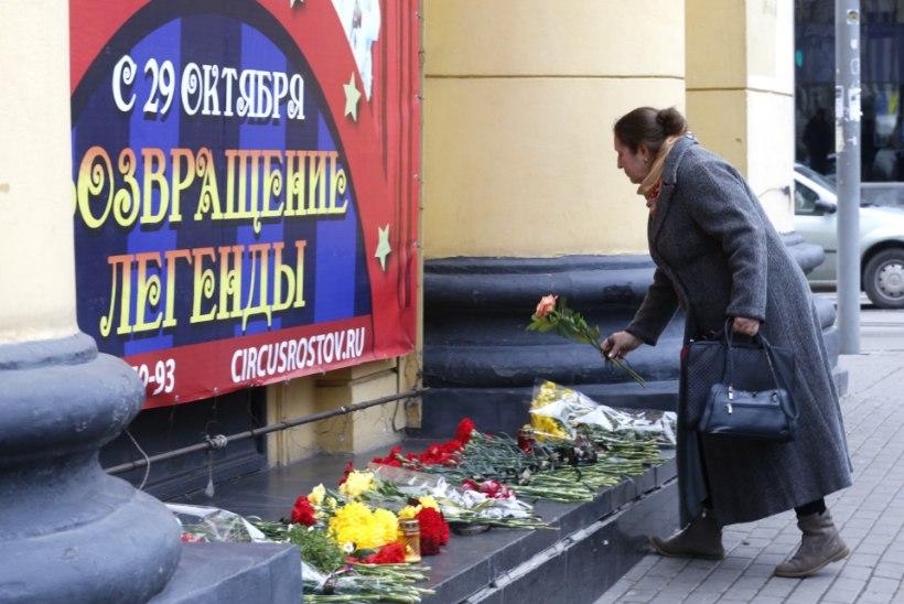 Kloun Oleg Popov suri päikeseliselt naeratades