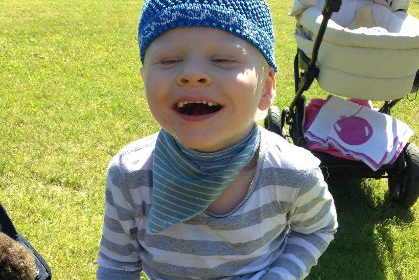 Haruldase haigusega poiss saab tänu toetajatele tegevusterapeudi teenust