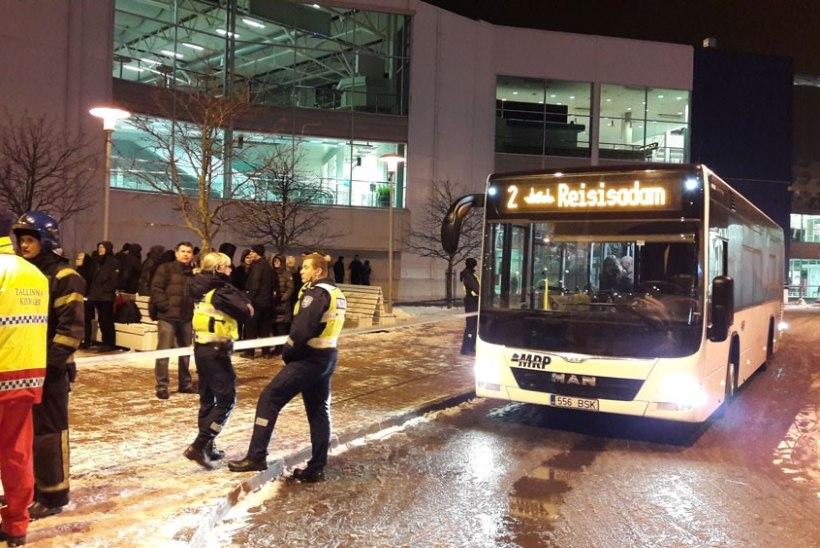 Tallinna reisisadamas oli keemiareostus, inimesed evakueeriti