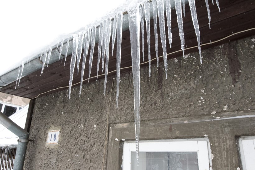 GALERII   Tartlasi ähvardavad pirakad jääpurikad