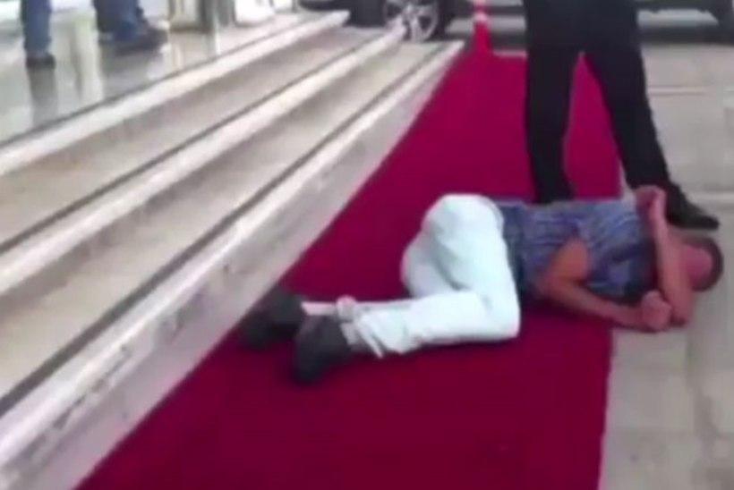 VIDEO | Seksi tahtnud süürlane sai enne kohut türklastelt mitu keretäit