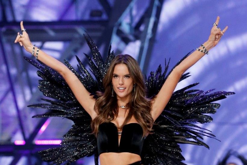 GALERII | Maailma kõige särtsakam pesumood: Victoria´s Secreti inglid vallutasid Pariisi moelava