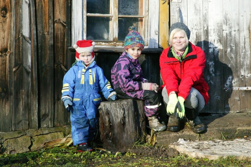"""""""Meie pere ja muud loomad"""" uus hooaeg! Kuidas möödub Heidi Hanso ja laste talv Pajuvärava talus?"""