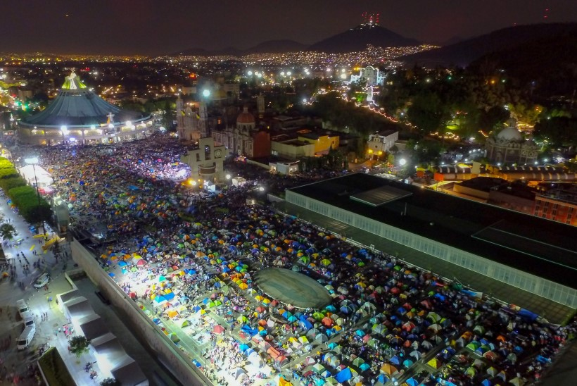 KIREVAD FOTOD | Mehhikos tähistatakse Guadalupe Neitsi päeva