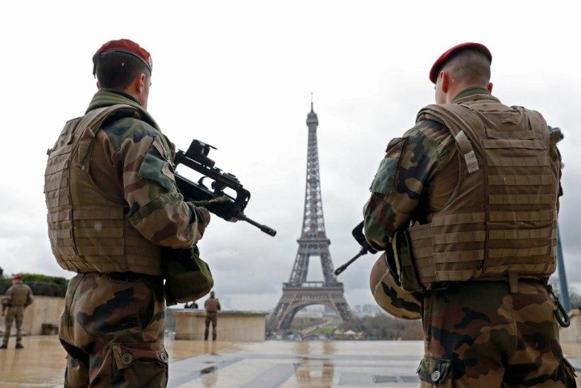 Prantsusmaal pikendati eriolukorda