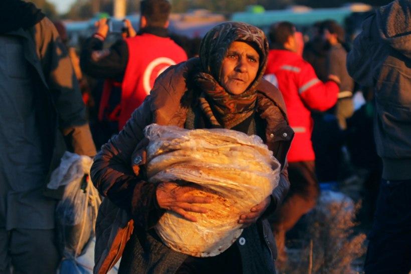 GALERII | Aleppo idaosast alustati inimeste evakueerimist