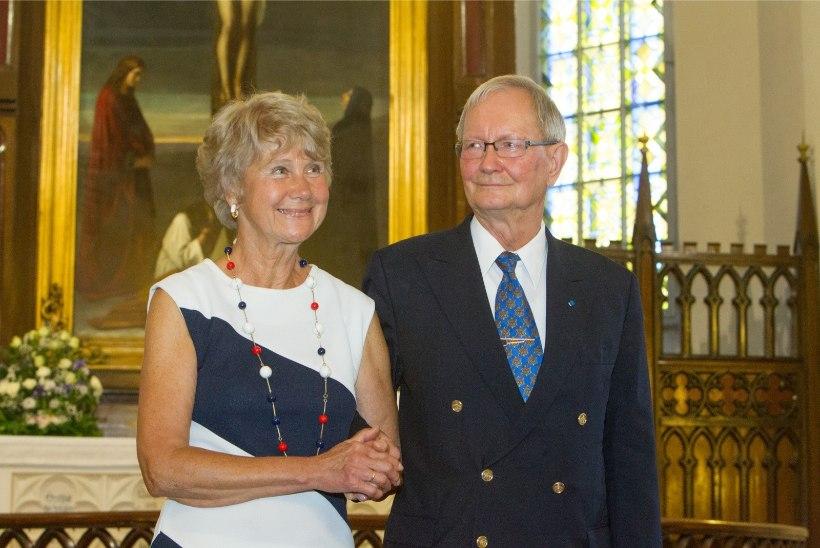 Eesti Kirikute Nõukogu oikumeenilise aastapreemia pälvis EELK Usuteaduse Instituut, tänukirja Tunne Kelam