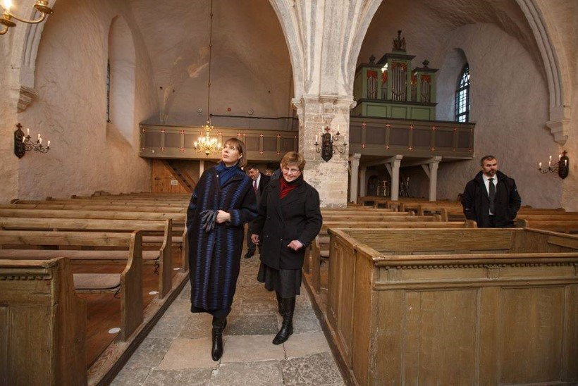 President Kaljulaid külastas Harjumaa visiidi ajal Risti kirikut