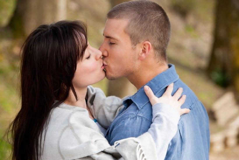 Hea uudis! Nohust kallimat suudeldes ise nohusse ei nakatu!