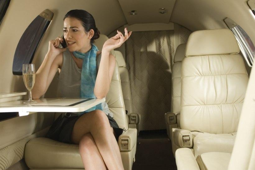 Piloot õnnitles läbi valjuhääldi reisijaid: te suutsite kogu alkoholi ära juua!