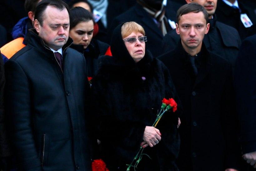 FOTOD | Türgis tapetud Andrei Karlovi surnukeha jõudis kodumaale