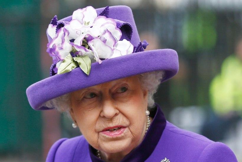 Kolm kuningannat veetsid jõulud tõvevoodis