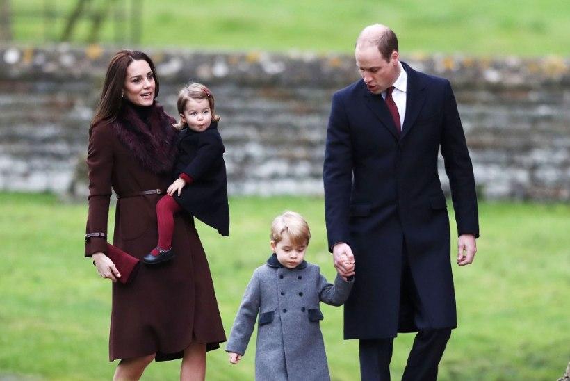 Prints George ja tema pisiõde osalesid esmakordselt jõuluteenistusel