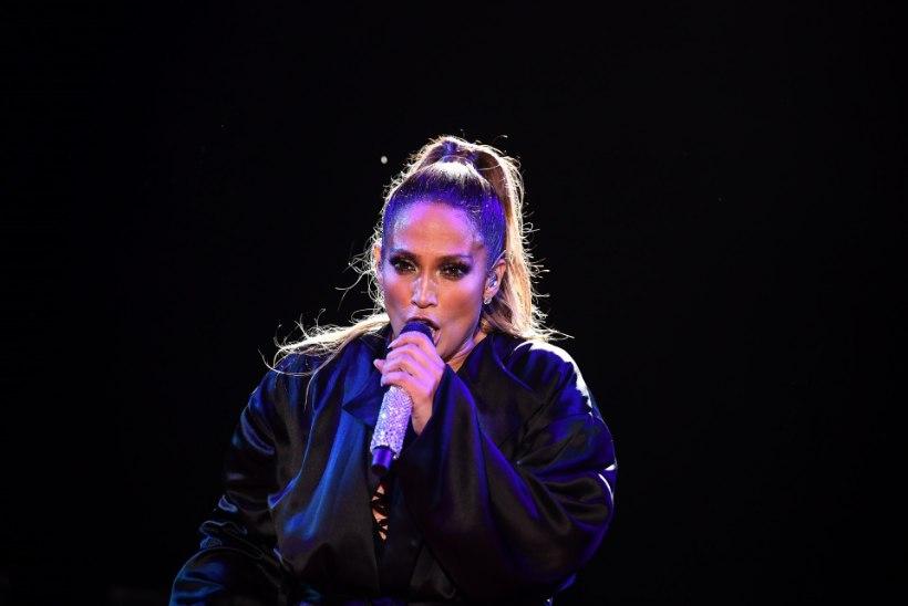 Jennifer Lopezil on 17 aastat noorem ja väga kuulus kallim