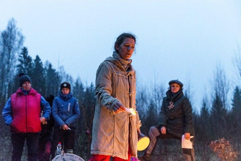 ÜKS EI KUULE, TEINE EI NÄE: Kati Saara Vatmanni poole pöörduvad mehed iga päev, kuid talutöödest rääkides kaovad nad kui tina tuhka