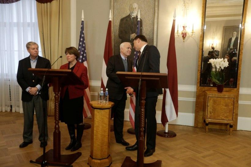 Baltikumi külastanud USA senaatorid nõuavad Venemaa karistamist USA valimistesse sekkumise eest