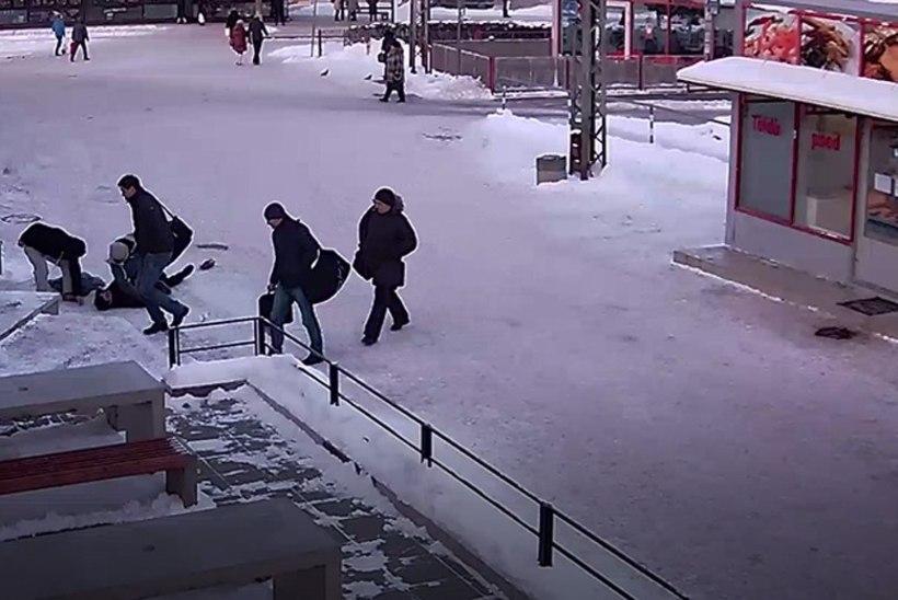 JÕHKRAD KAADRID | MILLINE ÜKSKÕIKSUS: Balti jaamas läbi pekstud noormehest ei teinud välja pea ükski mööduja