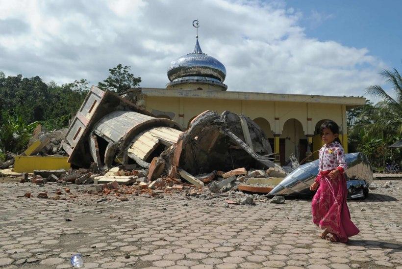 Sumatra saarel hukkus maavärinas vähemalt 50 inimest