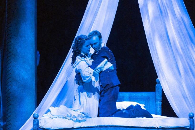 """ARVUSTUS: Draamateatri """"Armunud Shakespeare"""" on kui armastuskiri teatrile"""