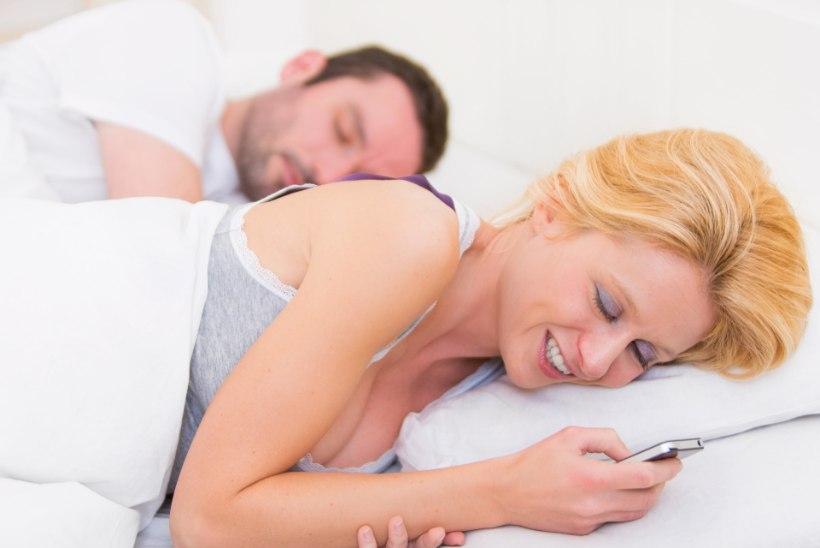 Viis head põhjust, miks sa peaksid loobuma õhtusest nutitelefoni kasutamisest