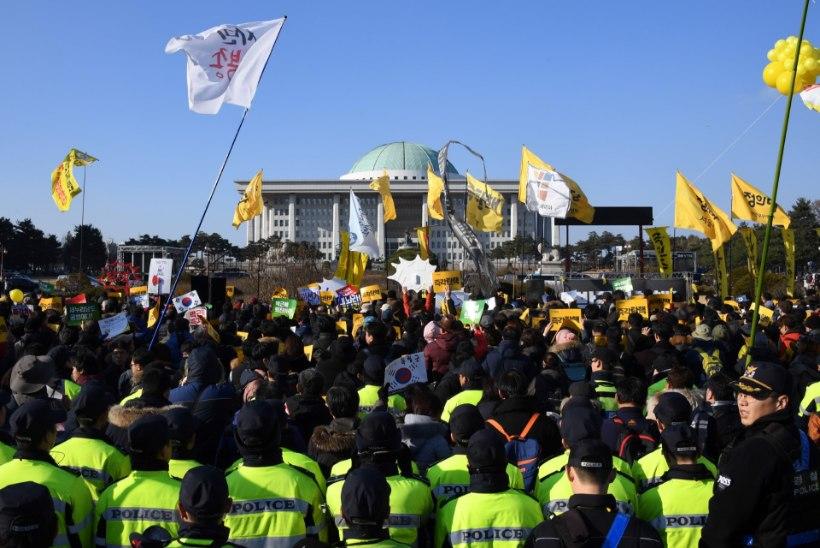 Korea presidenti võib oodata tagandamine