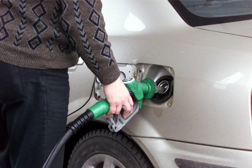Tänasest tõusevad kütuse, alkoholi ja praami- ning rongipiletite hinnad