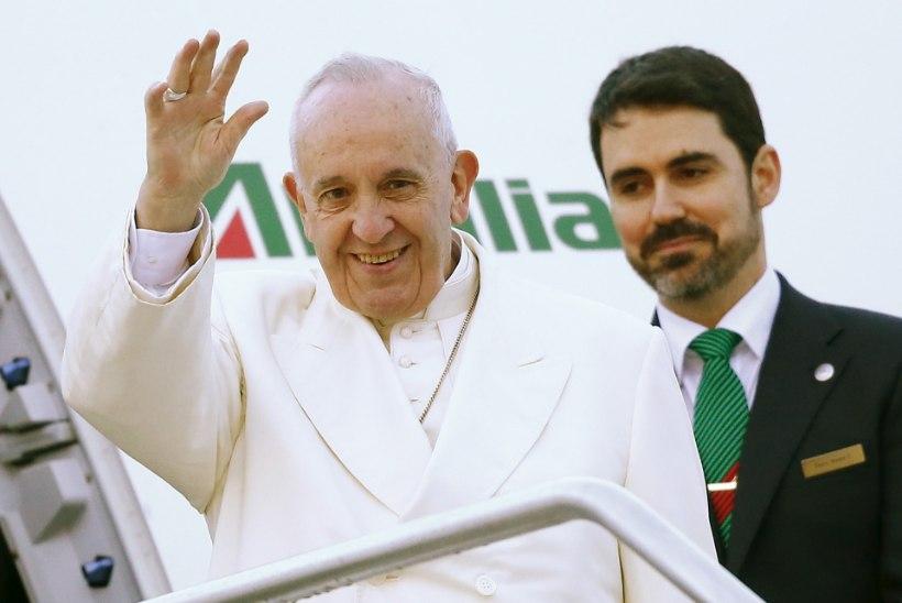 FOTOD | Patriarh Kirill lendas üle Eesti Kuubale kohtuma paavst Franciscusega