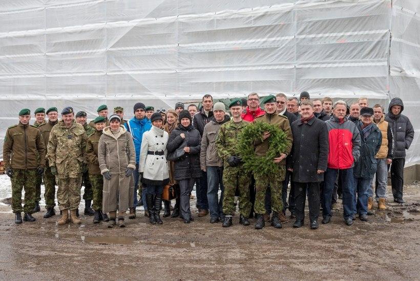FOTOD | Reedel sai sarikate alla NATO staabielemendi hoone