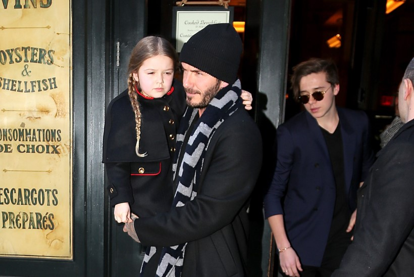 FOTOD   Stiilne pere: Victoria ja David Beckham viisid lapsed sõbrapäevalõunale