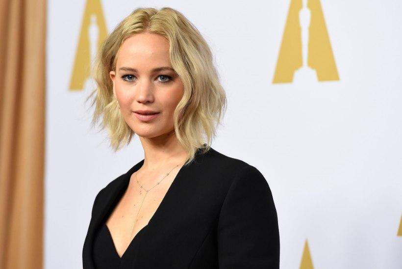 Jennifer Lawrence tegi lastehaiglale hiigelannetuse