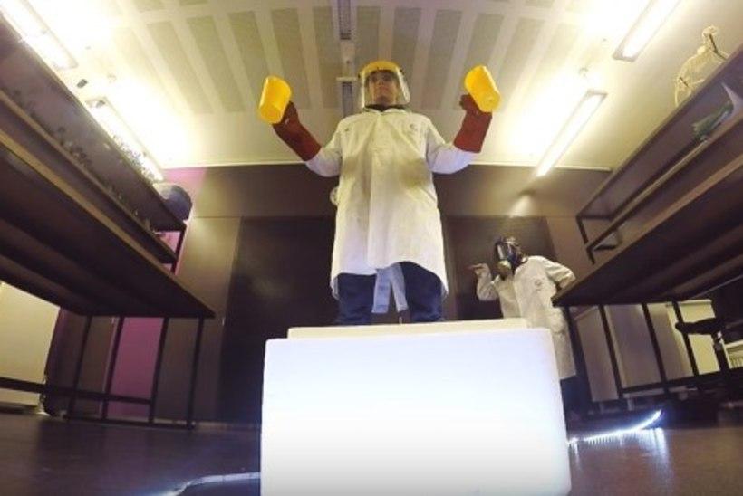 Teadusteater pani kokku Kelly Sildaru tantsu ja Eurovisionile pürgiva loo