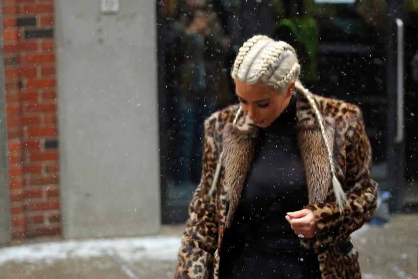 ARMSAD FOTOD | Kimi ja Kanye tütar püüdis keelega lumehelbeid