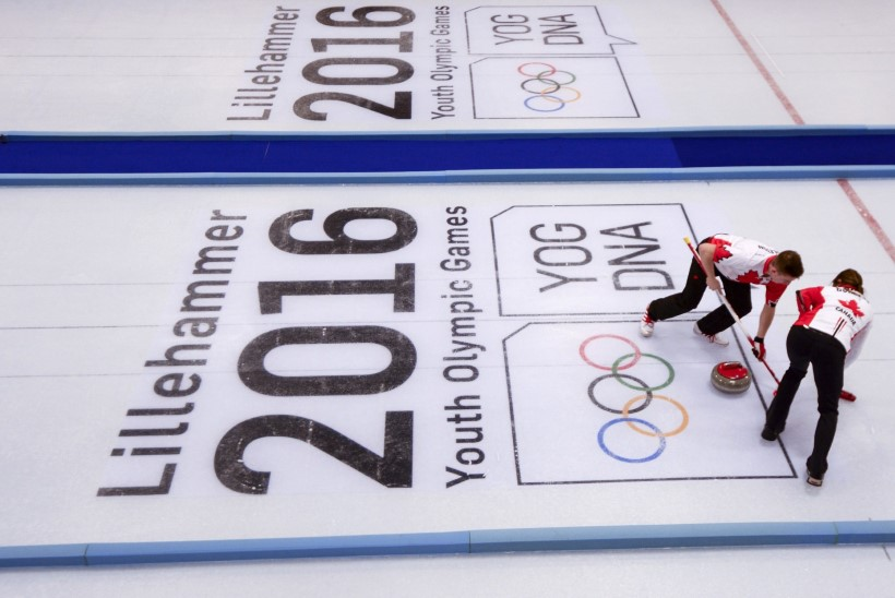 Noorteolümpial tõeline rahvaste segunemine - kas segapaaride curlinguturniiri võitjale mängitakse kaks hümni?