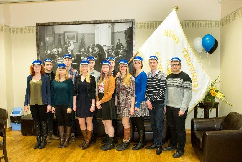 ÕHTULEHE VIDEO JA GALERII   Tartu rahu 96. aastapäeva kõnekoosolek Jaan Poska gümnaasiumis