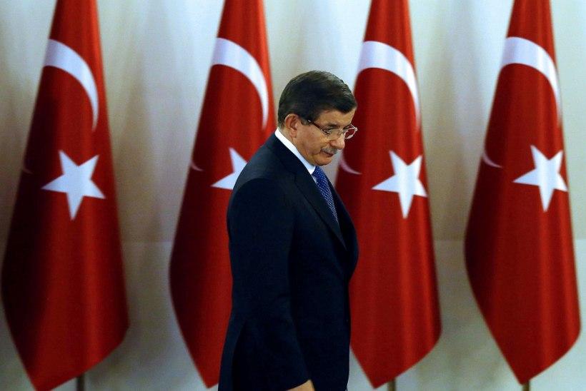 Türgi tugevdab üle riigi turvameetmeid Ankara rünnaku järgselt