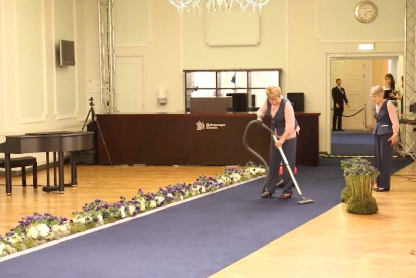ÕHTULEHE VIDEO JA FOTOD | Mõned hetked enne kätlemistseremooniat käivad Estonias veel kibekiireid ettevalmistused