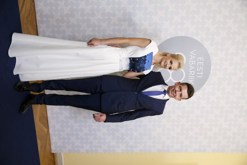 Siret Kotka kannab Jüri Arraku maaliga kleiti!