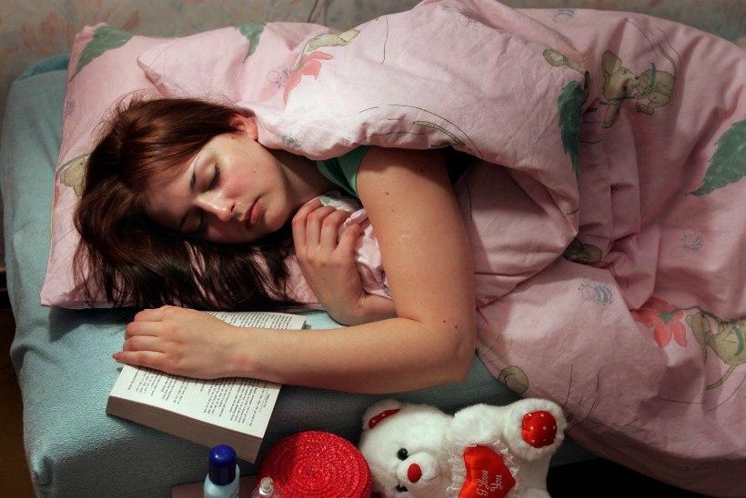 Kuidas mõjub tervisele enne kella kümmet magamaminek?
