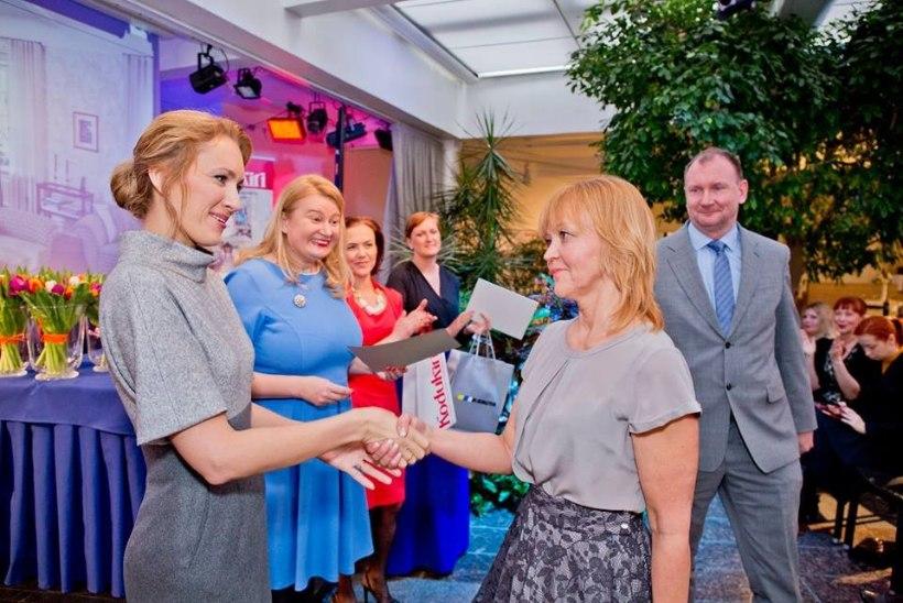 VAATA FOTOSID | Ieva Ilves andis üle kaunima kodu auhinna