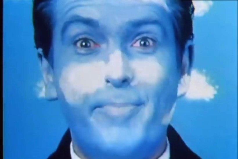 Retrovideo I 16 tundi klaastahvli all ja lööbes nägu