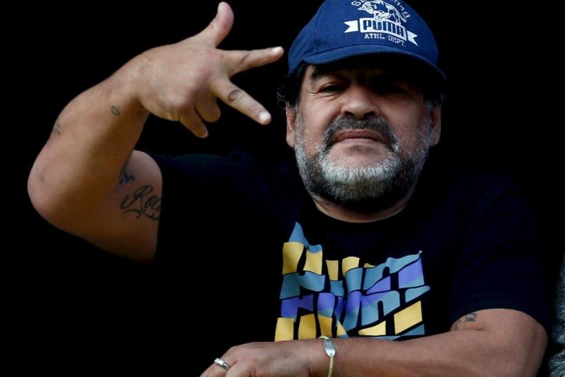 Maradona: FIFA uus president on reetur, Blatter ja Platini peaksid elu lõpuni türmi minema